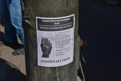 Este día una caravana arribó a Durango, donde se manifestaron de manera pacífica en la Plaza de Armas.