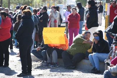 Bloquean nuevamente Laguna Sur en Torreón