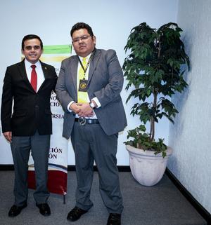 23022020 Luisfer y el Mtro. Santiago Ignacio Quiroz Villarreal,  Director del Centro De Medios Alternos de Solución de Controversias en el Estado.