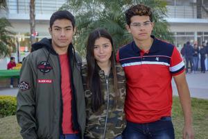 22022020 Rodrigo, Montserrat y Emiliano.