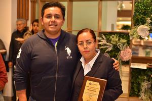 23022020 ENTREGA DE RECONOCIMIENTOS.  Luis y Patricia.