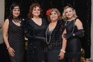 25022020 FIESTA AL ESTILO GATSBY.  Laura disfrutó de la agradable compañía de sus amigas en la fiesta que fue ofrecida en su honor. Ellas son, Rosa Velia, Laura, Graciela y Graciela.