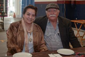 23022020 EN UNA COMIDA.  Esther y Rodolfo.