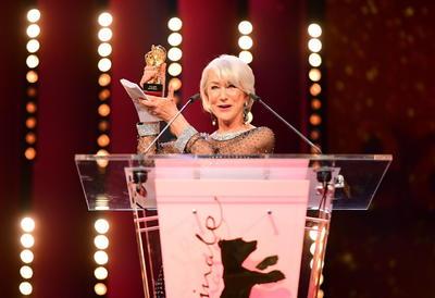 Otorgan Oso de Oro a Helen Mirren en el Festival de cine de Berlín