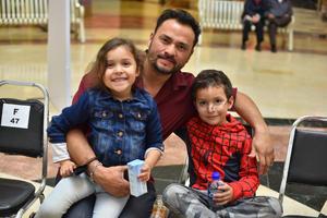 28022020 Héctor, Nathalia e Iker Álvarez.