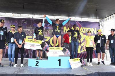 En la rama femenil, la tlaxcalteca Madaí Pérez era líder y buscaba el tiempo para clasificarse a los Juegos Olímpicos de Tokio, logrando su propósito, ganó en la femenil del Maratón.