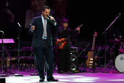Homenajean al 'Príncipe de la canción' en Durango