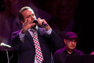 Los interpretes tuvieron acertadas participaciones que el público agradeció con ovaciones prolongadas, amén de los coros.