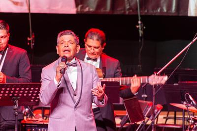 La velada fue un viaje a través de la canciones que hicieron a José José una leyenda de la música mexicana.