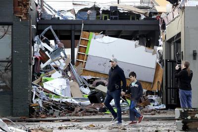 Severos daños se reportaron en el centro de Nashville.
