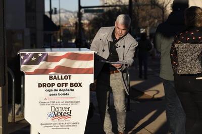 Catorce estados acuden a las urnas.