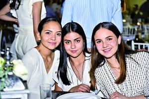 Daniela,Sofia y Maria Xiemna.