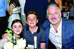 Luciana,Gabriel y Jaime.