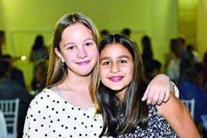 Mariana Lopez y Naxiely Torres.