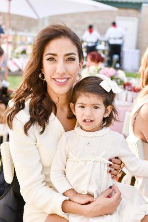 Adriana Peña con su hija Ana Davila Peña
