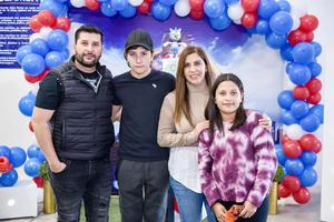 Alejandro y Marcela con sus hijos Alex y Romina.