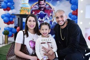 Matheus y Andressa con su hija Sofi Doria.
