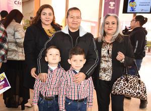 02032020 María Teresa Lugo, Rosa María Lugo, Andrea de la Rosa, Ludwig Matías y Jorge Alonso.