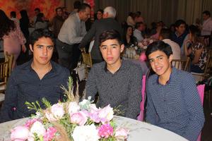 04032020 RECIENTE CELEBRACIóN.  Alfredo, Alejandro y Antonio Alday.
