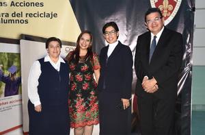 04032020 Elena López, Claudia Núñez, Beatriz Álvarez y Jorge Luis Caballero.