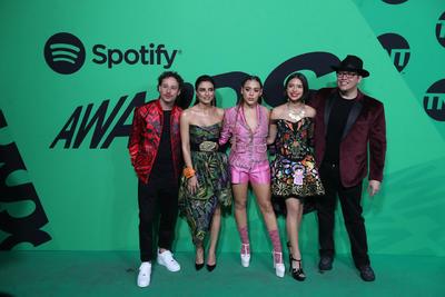Celebran los primeros premios de la alfombra verde de Spotify
