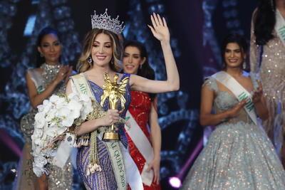 Valentina Fluchaire, la mexicana transexual que se coronó en Miss International Queen