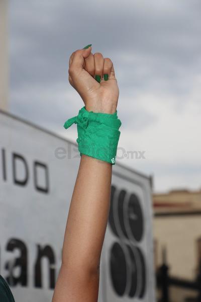 Feministas duranguenses marchan en Día Internacional de la Mujer