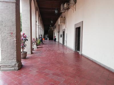 Las instalaciones de la Presidencia de Lerdo lucen casi vacías.