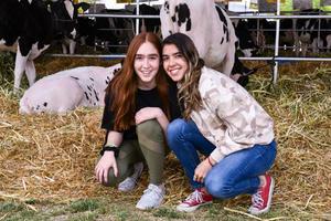 06032020 Katy Mijares y Maria Paula García De Alba.