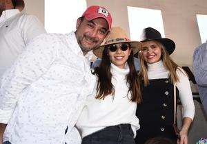 07032020 Gerardo Sifuentes, Melina Sifuentes y Mayka Camacho.