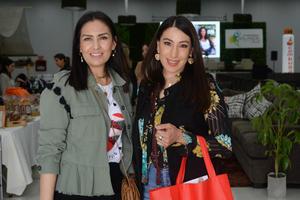 08032020 Claudia y Kenya, emprendedoras laguneras, influencers de moda.