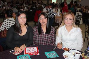 05032020 TARDE DE BINGO.  Vanessa Coronado, Karla Islas y Karina Garcia.