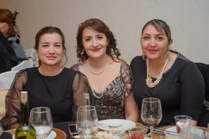 08032020 ENTRE AMIGAS.  Susana, Lilian y Alejandra.