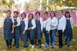 08032020 EN EL FESTIVAL DE LA ROSA.  Jardineras participaron en conferencias y talleres.