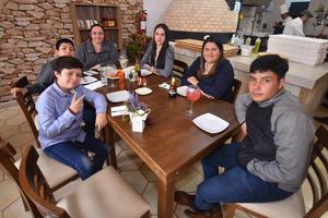 05032020 Familia Escareño.