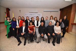11032020 LA FOTOGRAFíA DEL RECUERDO.  23 alumnos se graduaron de un Diplomado de Tanatología.