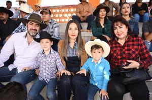 05032020 Ricardo, Ricky, Caro, Sebastián e Irene.