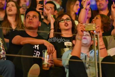 Laguneros disfrutan del concierto de Hombres G