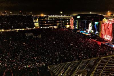 Año con año, el festival musical reúne a miles de personas.