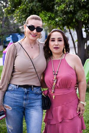 14032020 EN UN CUMPLEAñOS.  Cristina y Ana Lilia.
