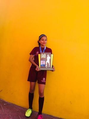 15032020 ACUMULA LOGROS.  Alejandra Álvarez campeona del Torneo Metropolitano por Gómez Palacio, futbol 7.