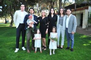 14032020 GRATOS MOMENTOS.  La pequeña Romi fue bautizada por lo que se realizó una celebración familiar.