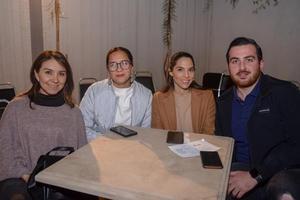 17032020 EN UN CONCIERTO DE TANGO.  Laura, Luisa Fernanda, Aletza y Hrachya.