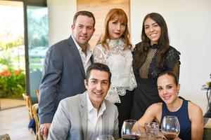 12032020 RECIENTE CELEBRACIóN  Carlos, Ana Vargas, Paulina Mendoza, Alejandro y Priscila.