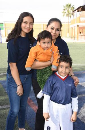 12032020 Mariana, Gaby, Carlos y Rafa.