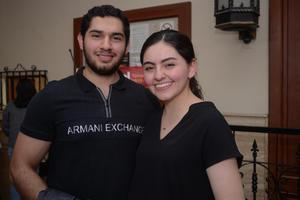12032020 EN EL TEATRO.  Diego y Luz Alejandra.