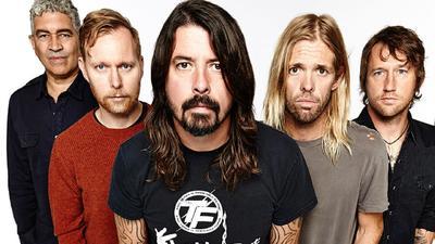 Foo Fighters confirmó que pospondrá el tour por su aniversario número 25 mientras el coronavirus continúa expandiéndose.