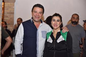 18032020 Luis García Colores y Gina Acosta.