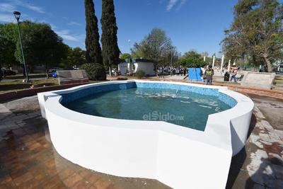 Frente al monumento a Sor Juana Inés de la Cruz se instalará una nueva fuente, cuyo diseño pretende armonizar con las otras que se tienen instaladas en la colonia Torreón Jardín desde hace años.