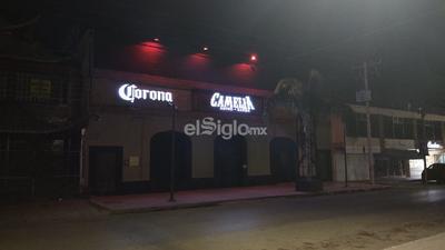 Bares y restaurantes del Paseo Morelos están cerrados acatando las normas impuestas por el Ayuntamiento ante la propagación del COVID-19.